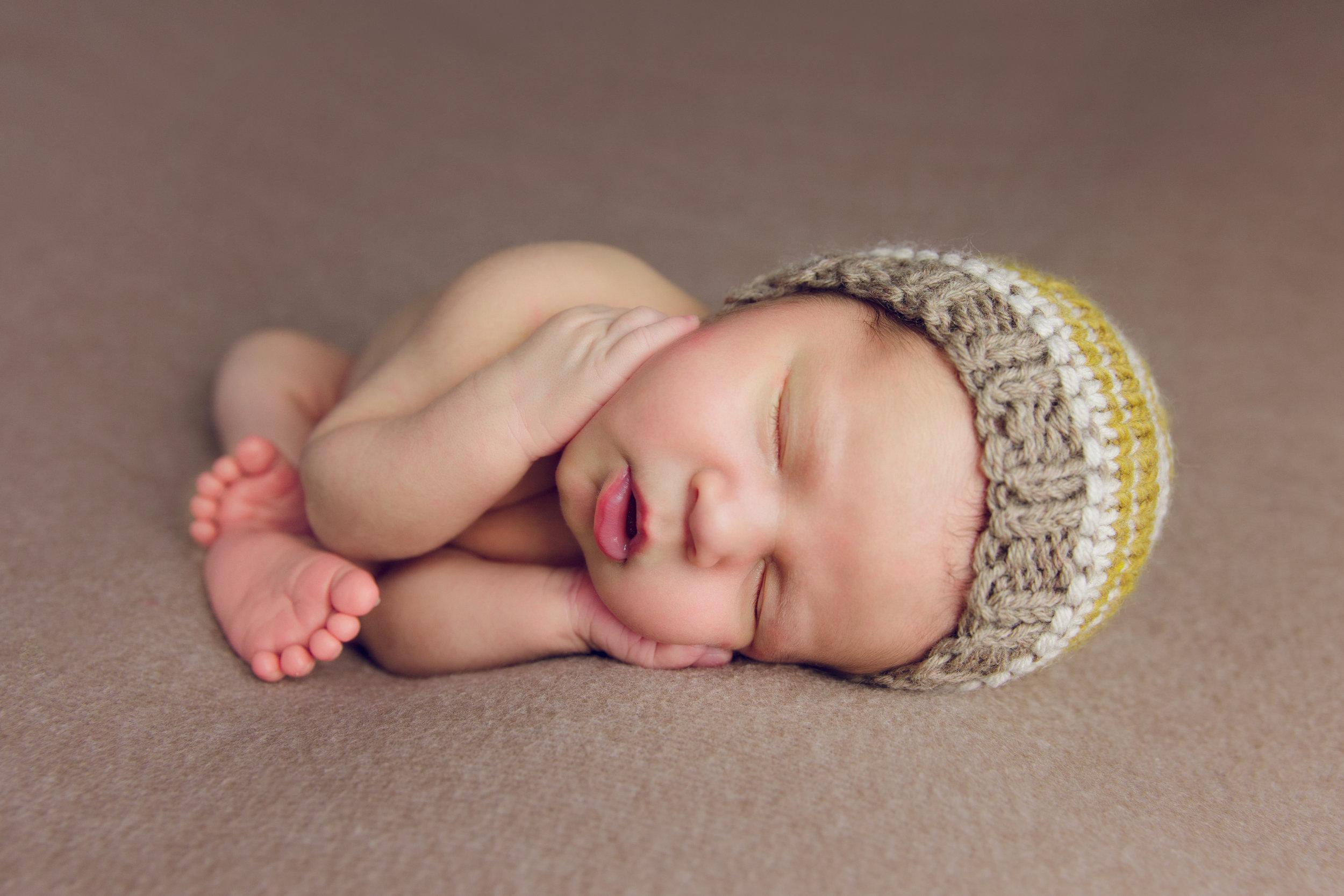 newborn harrison  (1).jpg