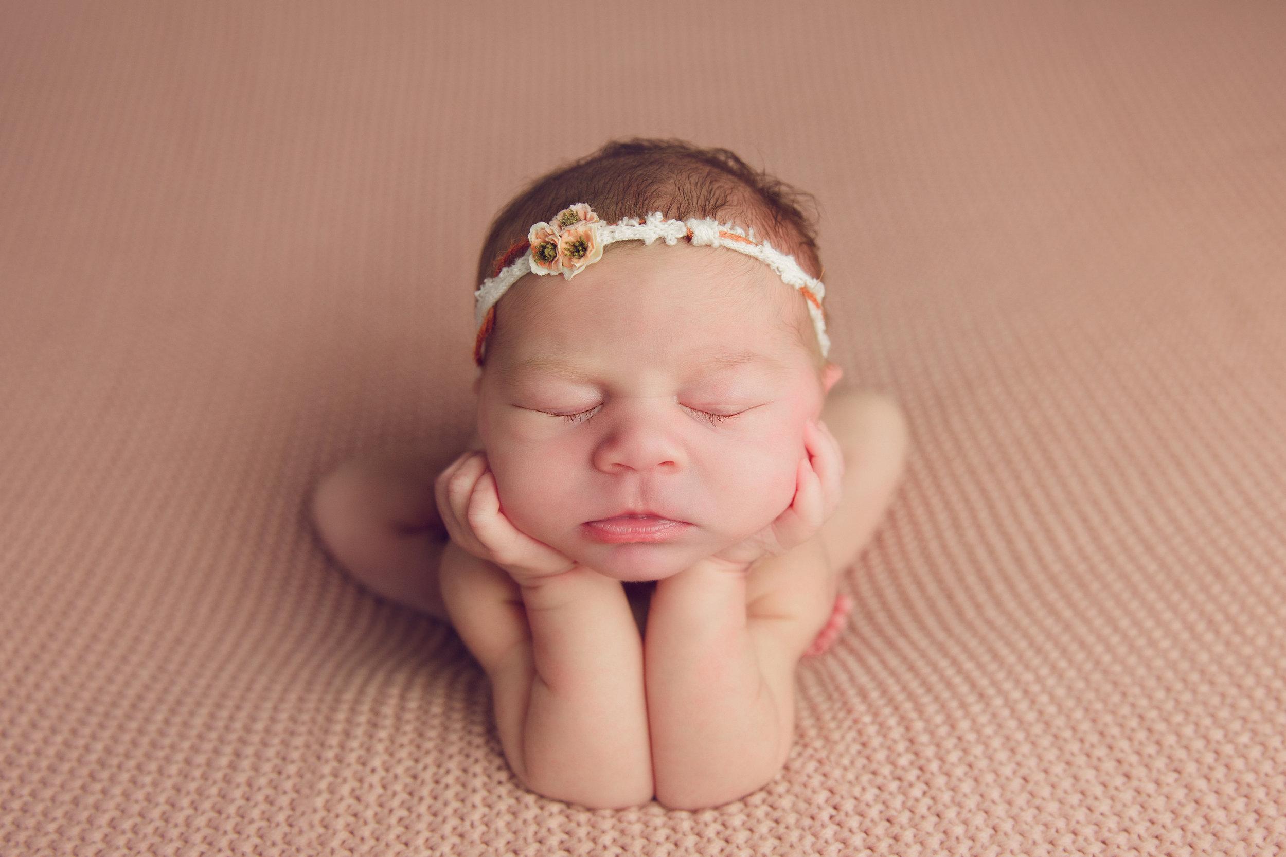 isla newborn  (1).jpg
