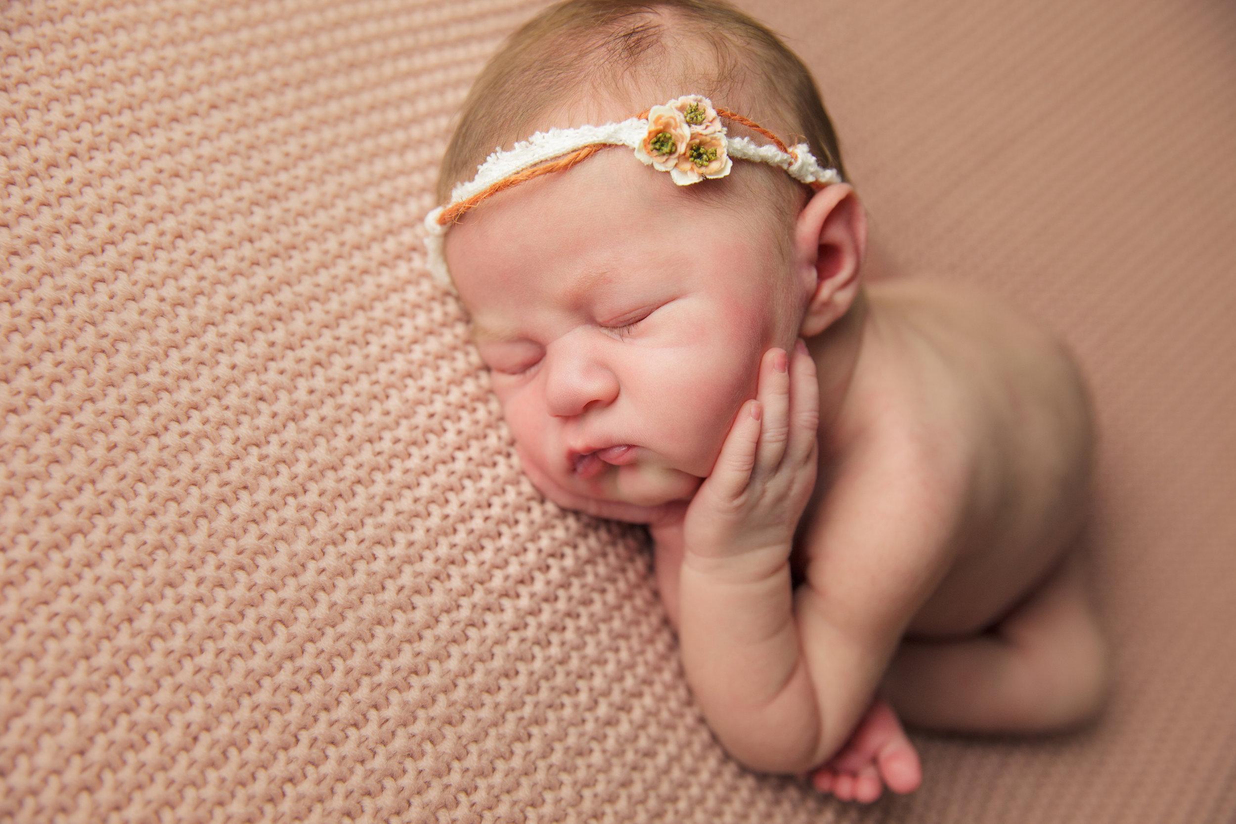 isla newborn  (6).jpg
