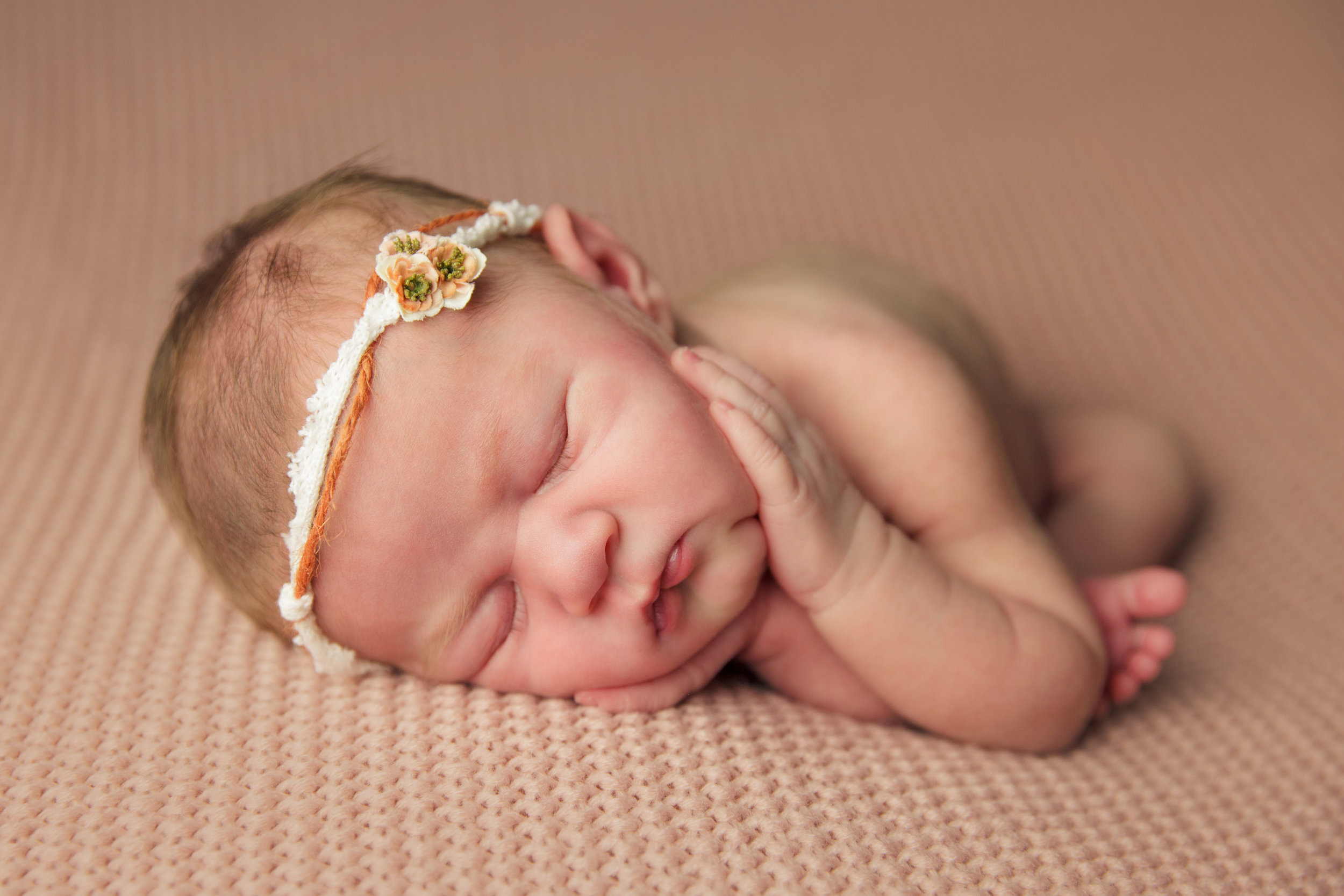 isla newborn  (9).jpg