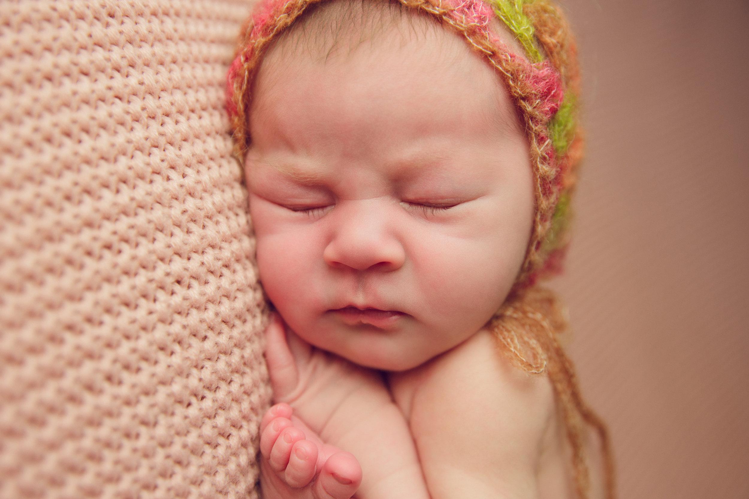 isla newborn  (13).jpg