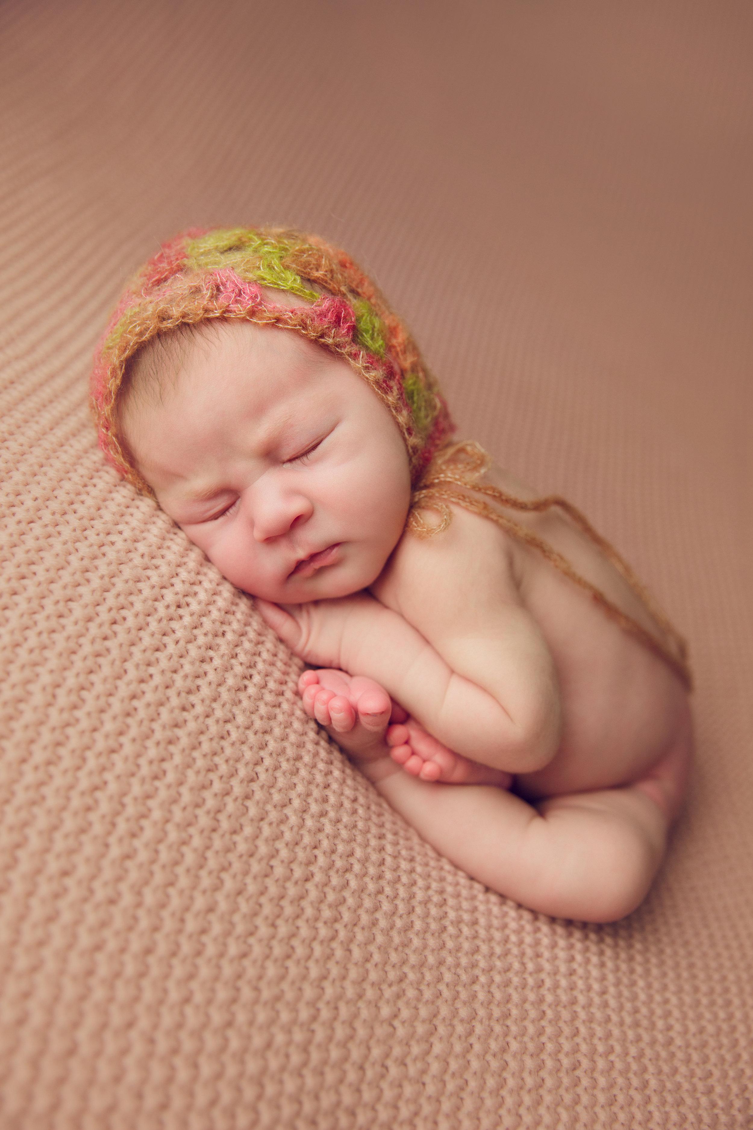 isla newborn  (14).jpg