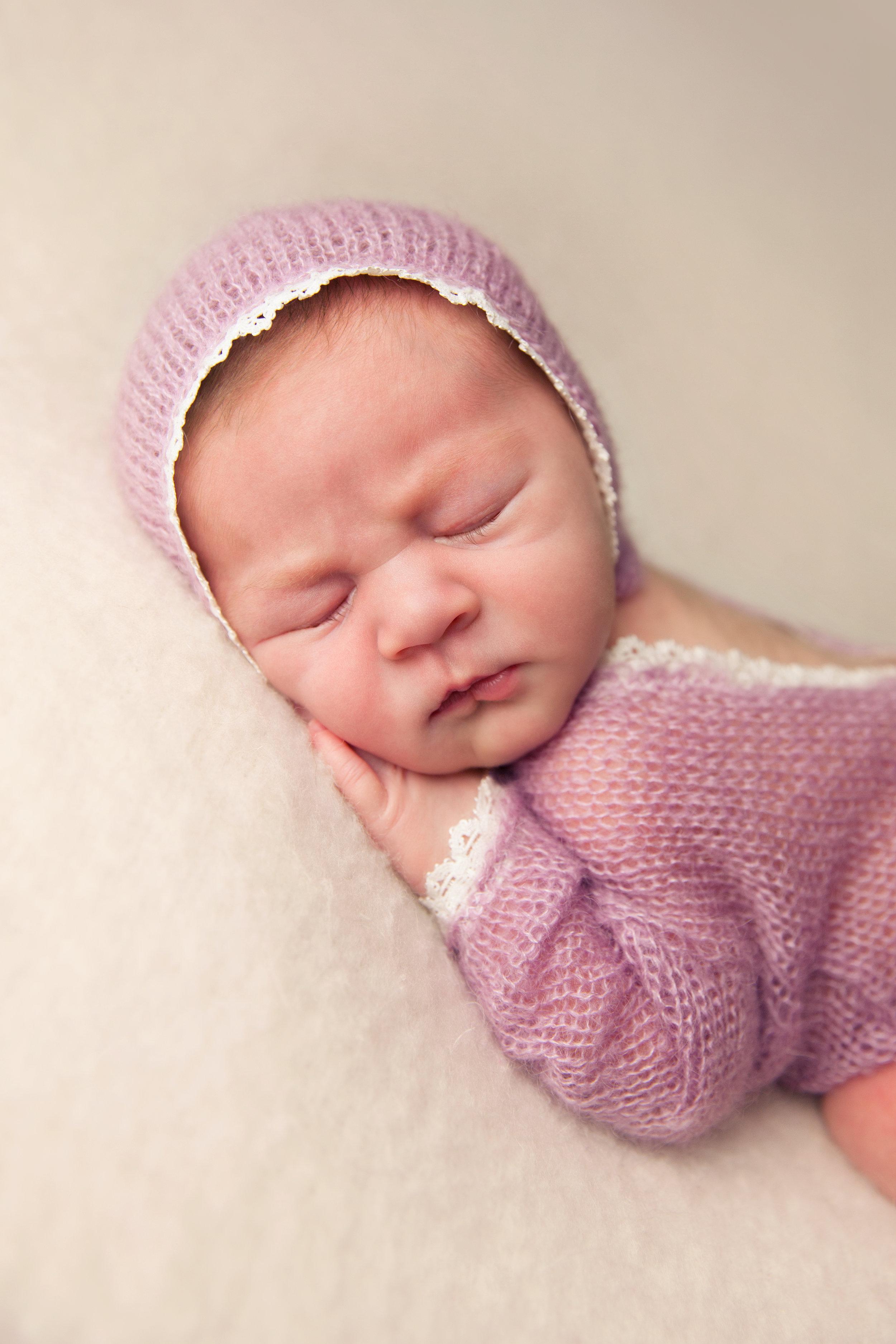 isla newborn  (18).jpg