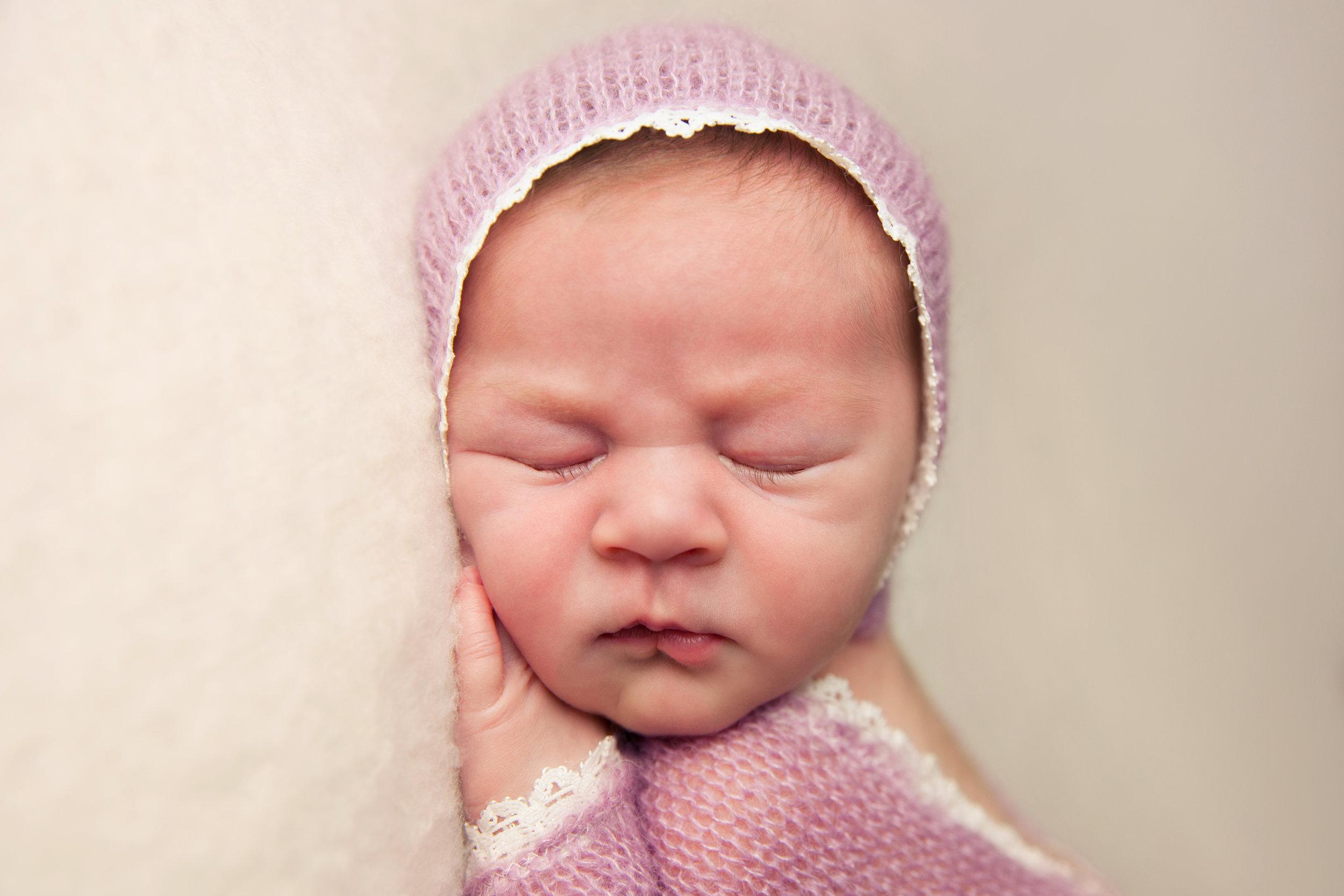 isla newborn  (19).jpg
