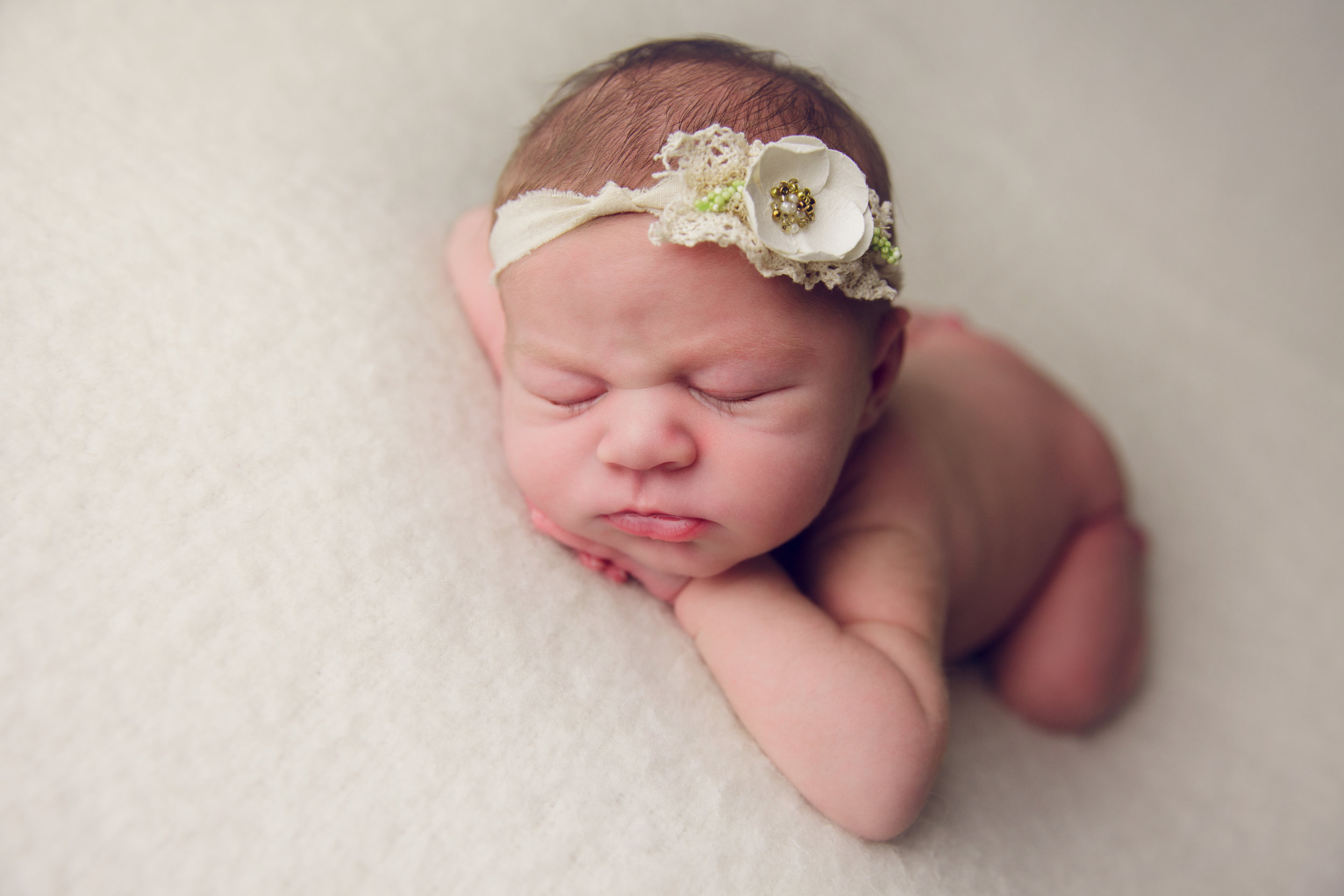isla newborn  (32).jpg