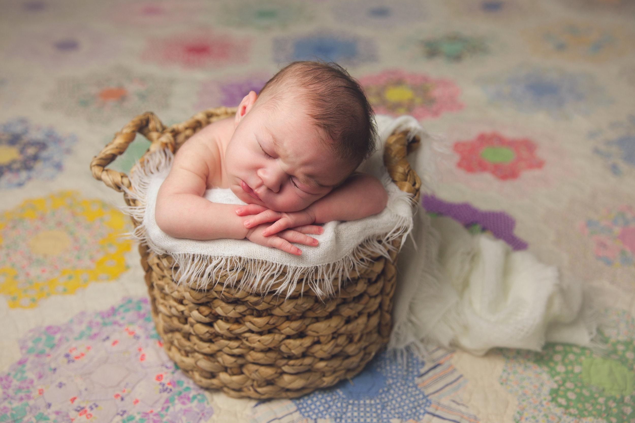 isla newborn  (73).jpg