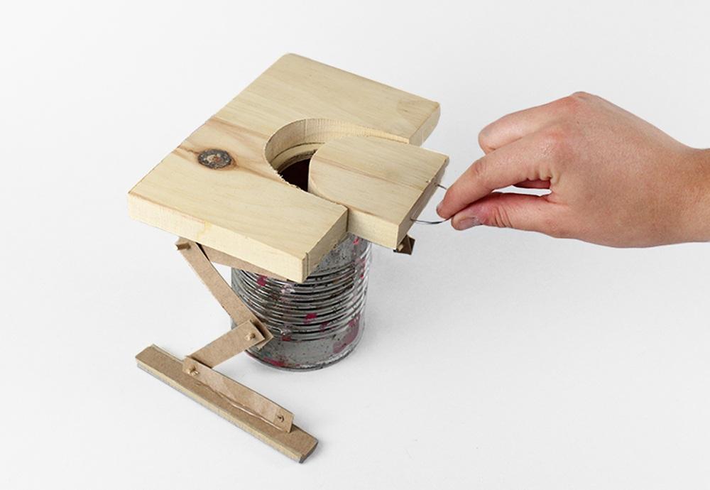 lo fi raised cutting board