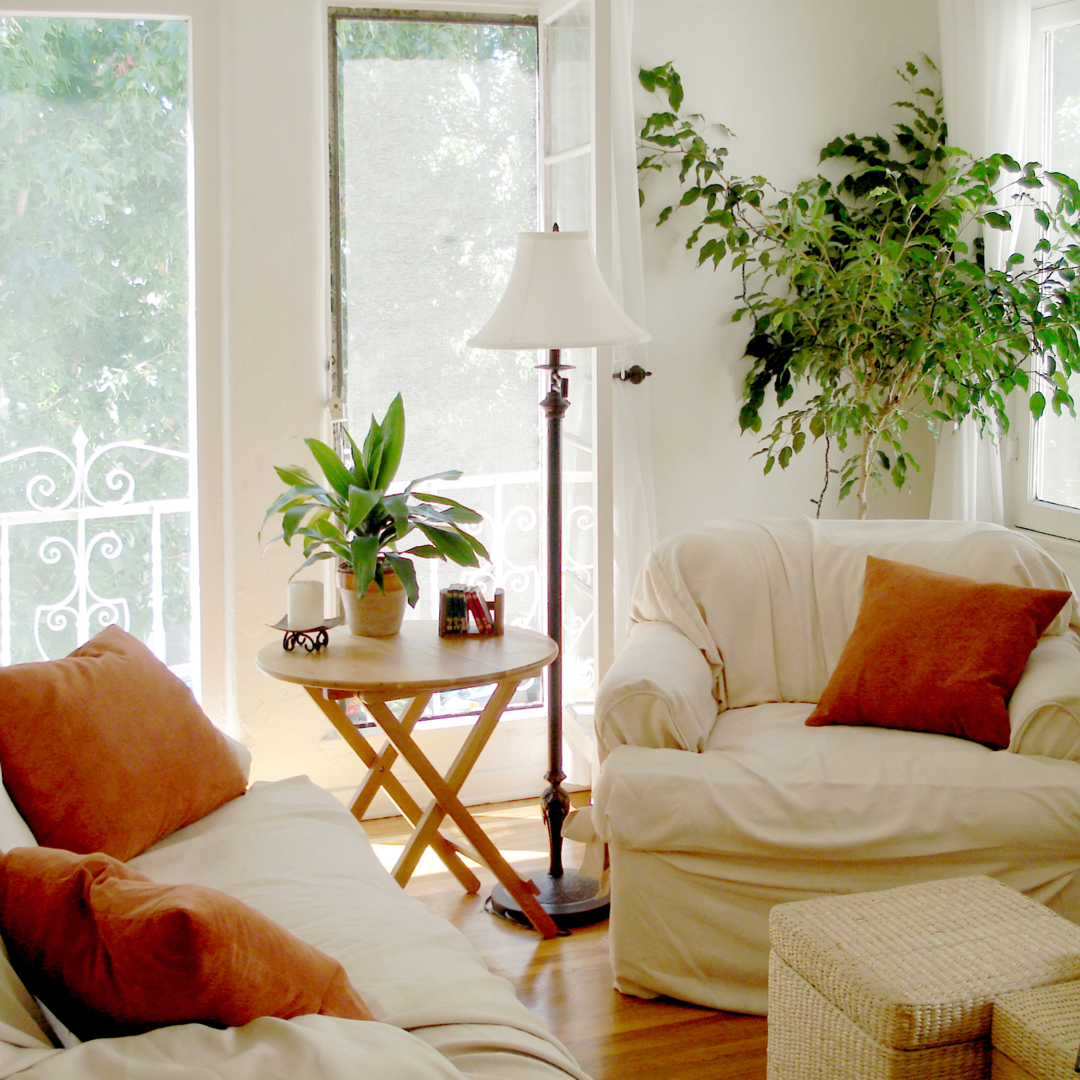 weho apartment -