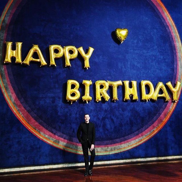 Happy birthday to meeee! 🥳🎶🥂🎉 #happybirthday #birthdayboy #29 #aquarius #valentinesday #operasinger #tenor #badischesstaatstheater #karlsruhe #germany