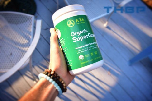 Anyone tried this SuperGreens from Dr Axe before!! Solid stuff! I like this greens powder along with Organifi Green juice! What is your go to greens powder?! @thehumanbluprint