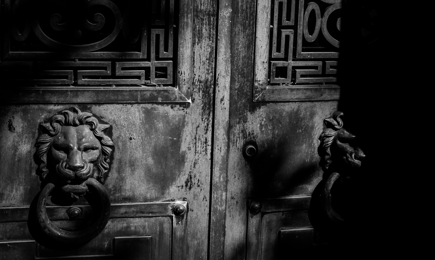 mausoleum door, bronx, new york_2015.jpg