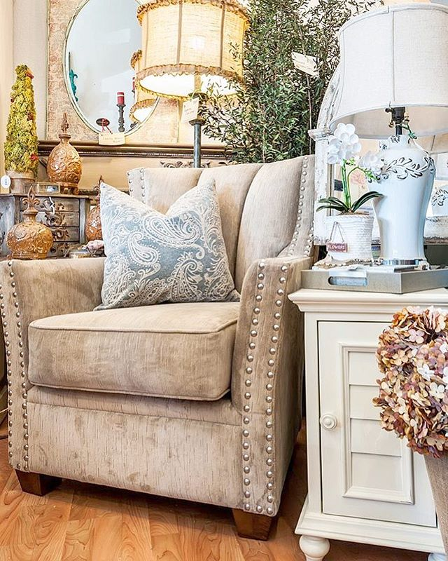 Do you know we have a full range of furniture we can order for you? Come into the shop and browse our hundreds of styles. We even have reupholstery services! #creativedesigns #shoplocal #shopsouthbay #southbay #torrance #redondobeach #designideas #designinspiration  #interiordesign #interiordecor #interiordesigner