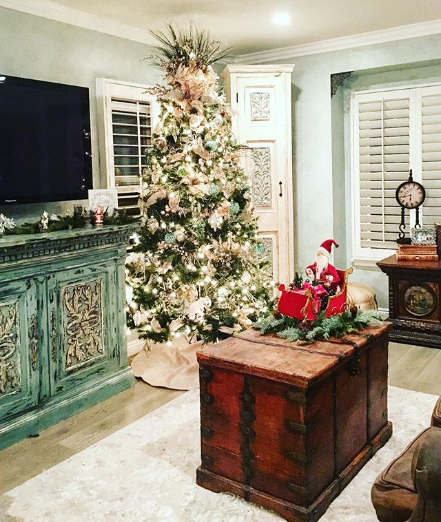 Oh Christmas Tree, Oh Christmas Tree! Overwhelmed at the thought of decorating yours? Let us help! #torrance #southbay #interiordesign #shoplocal #creativedesigns #southbaystyle #southbayshopping #manhattanbeach #christmastree #interiordecor