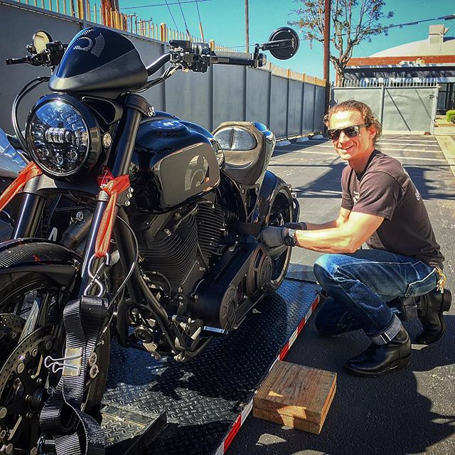 Extra Special Delivery by @motorcyclemoverba  Motorcycle Mover: Best in Class Service. Call 844-MOTO-111. #exclusive #handmade #motorcycle #horsepower #performance #art #losangeles #sanfrancisco #rideordie #archmotorcycle #arch