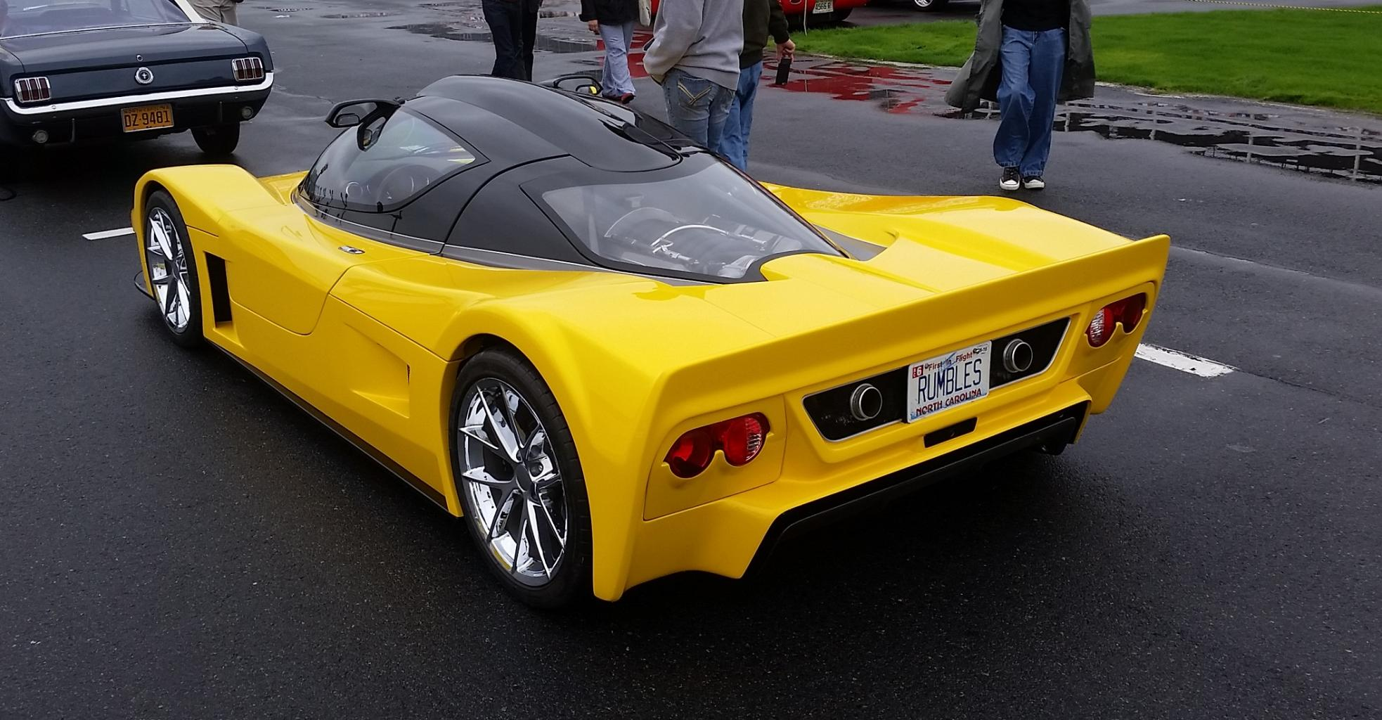 """Superlite SL-C with street tail. Note the """"ducktail"""" spoiler and lack of a rear wing, as well as a deeper bodywork that covers the rear wheels."""