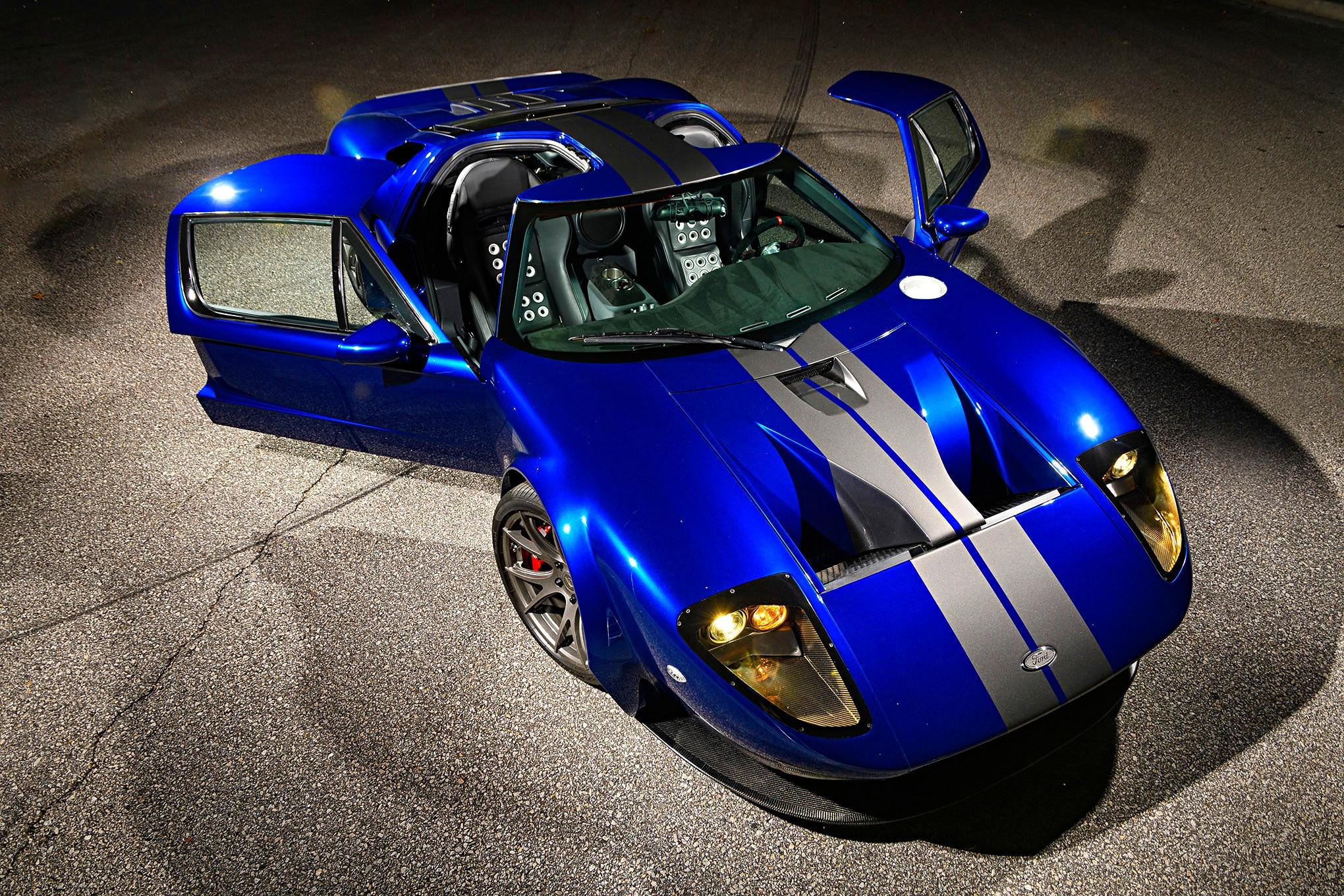 042-Superlite-GT-R-doors-open.jpg