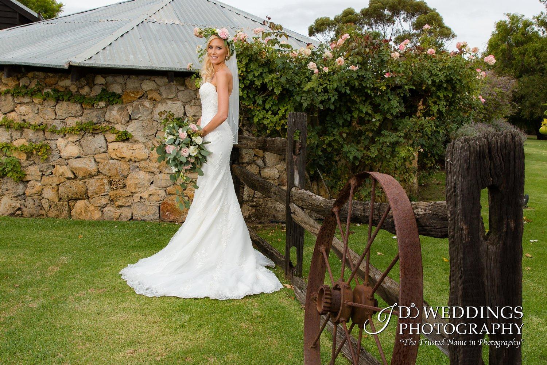 farm house wedding photography.jpg