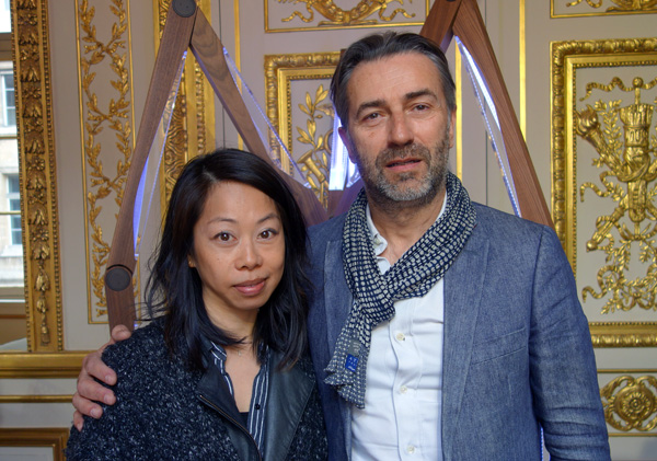 Helen Homan Wu (Curagenda), Fabrice Ausset with his piece Luminaire in the back.