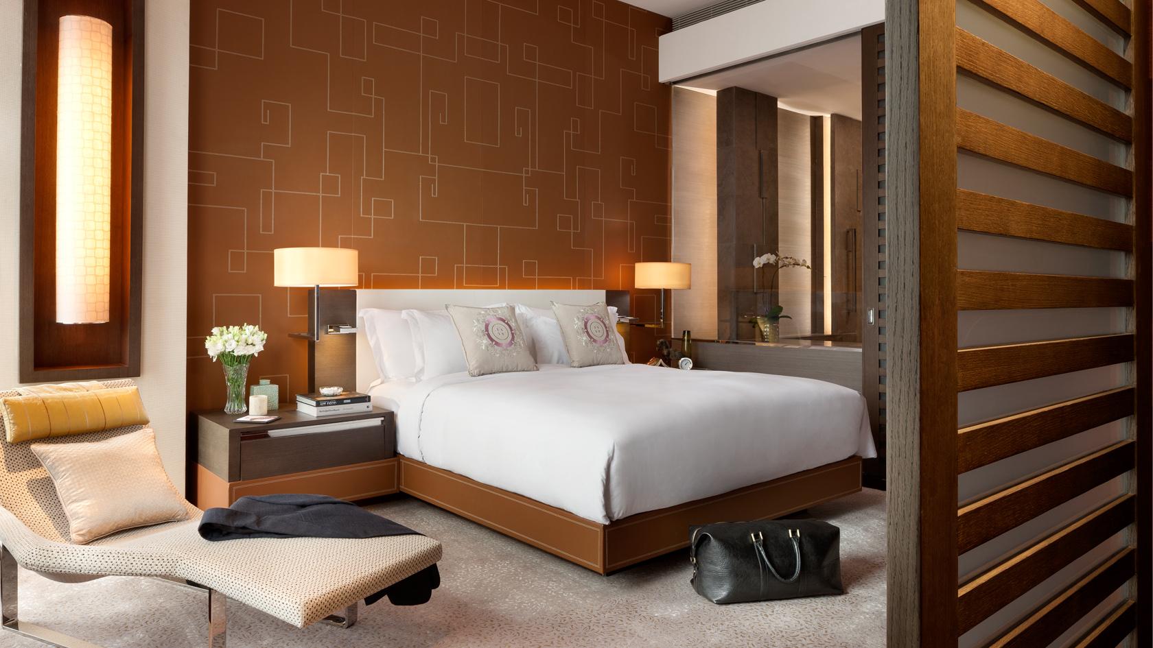 langham-suite-bedroom.jpg