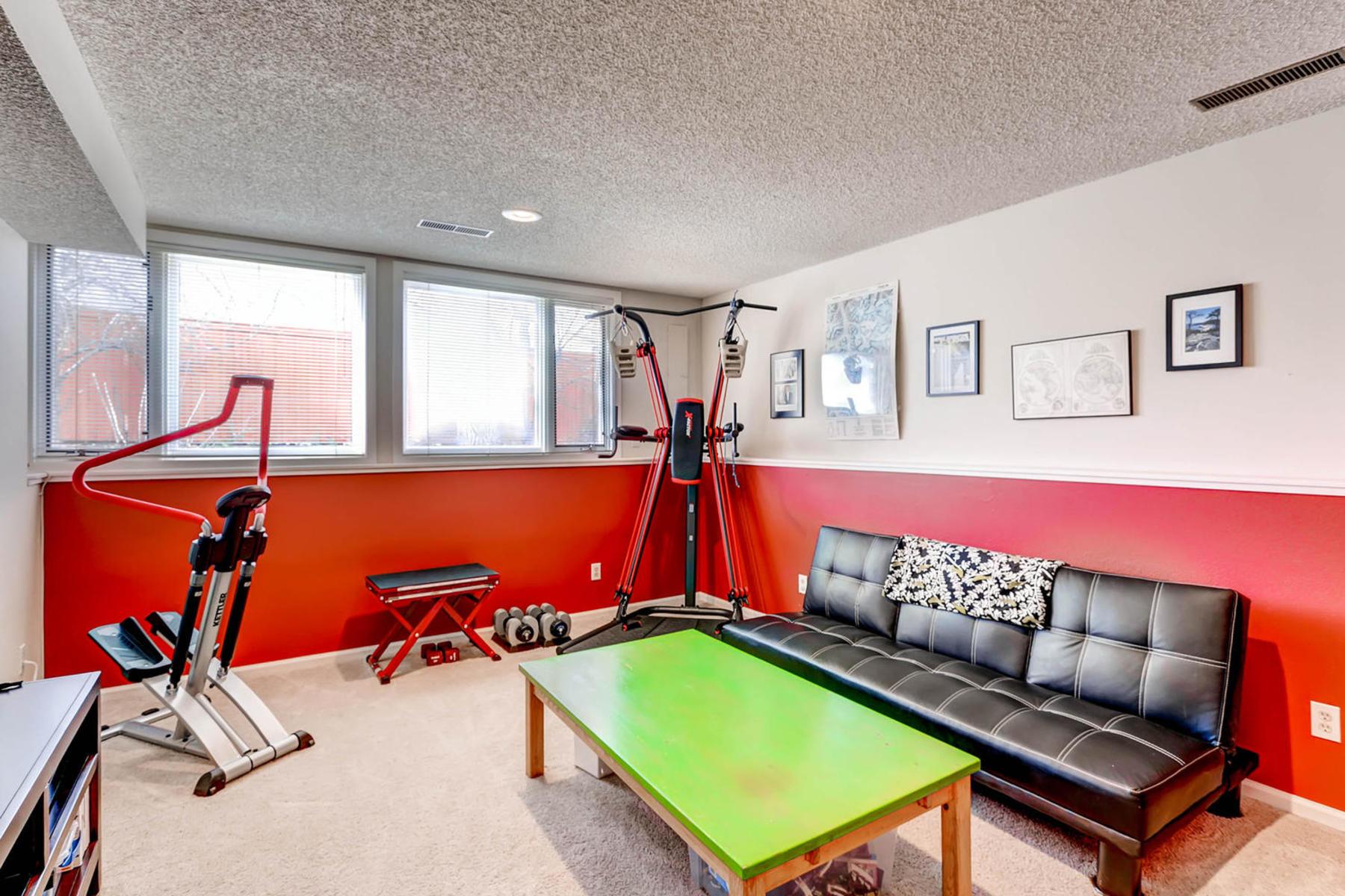 1024 55th Street Boulder CO-MLS_Size-020-25-Lower Level Recreation Room-1800x1200-72dpi.jpg