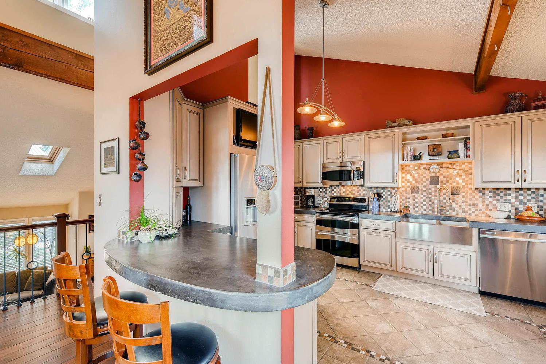 1024 55 St Boulder CO 80303-large-011-7-2nd Floor Kitchen-1499x1000-72dpi.jpg