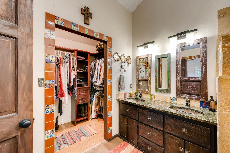 1024 55 St Boulder CO 80303-large-019-14-2nd Floor Master Bathroom-1499x1000-72dpi.jpg