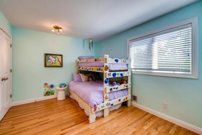 3845 Birchwood Dr Boulder CO-large-018-23-3rd Floor Bedroom-1499x1000-72dpi.jpg