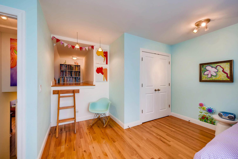3845 Birchwood Dr Boulder CO-large-019-13-3rd Floor Bedroom-1499x1000-72dpi.jpg