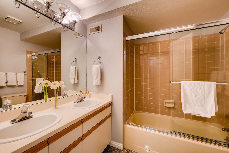 3845 Birchwood Dr Boulder CO-large-024-8-Lower Level Bathroom-1499x1000-72dpi.jpg