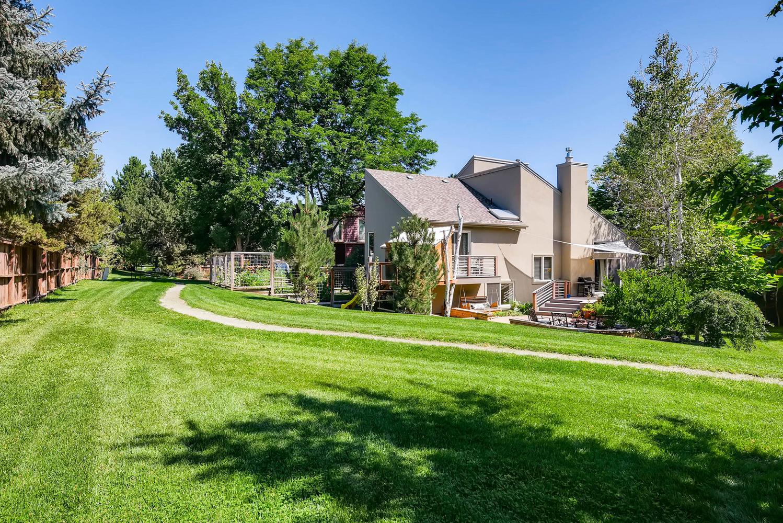 3845 Birchwood Dr Boulder CO-large-031-27-Back Yard-1499x1000-72dpi.jpg