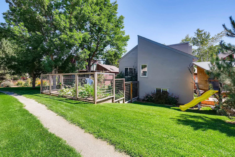 3845 Birchwood Dr Boulder CO-large-033-32-Garden-1499x1000-72dpi.jpg