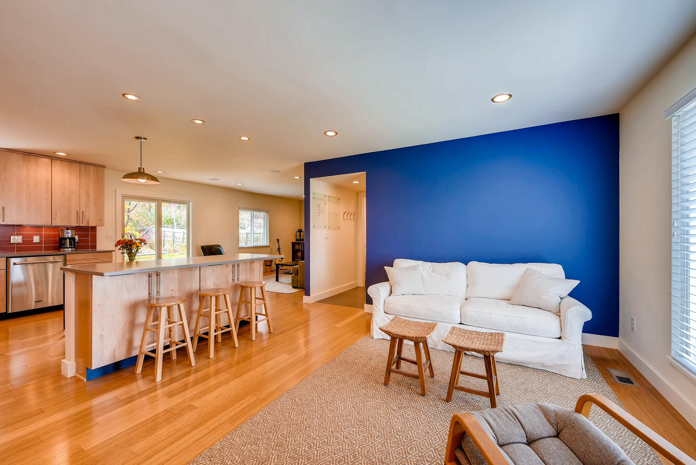 1529 Washington Ave Louisville-large-005-2-Living Room-1499x1000-72dpi.jpg