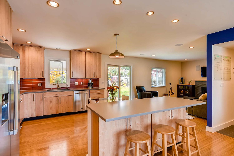 1529 Washington Ave Louisville-large-008-1-Kitchen-1499x1000-72dpi.jpg