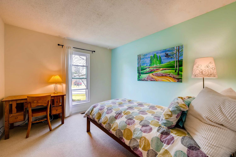 1529 Washington Ave Louisville-large-018-23-Bedroom-1499x1000-72dpi.jpg