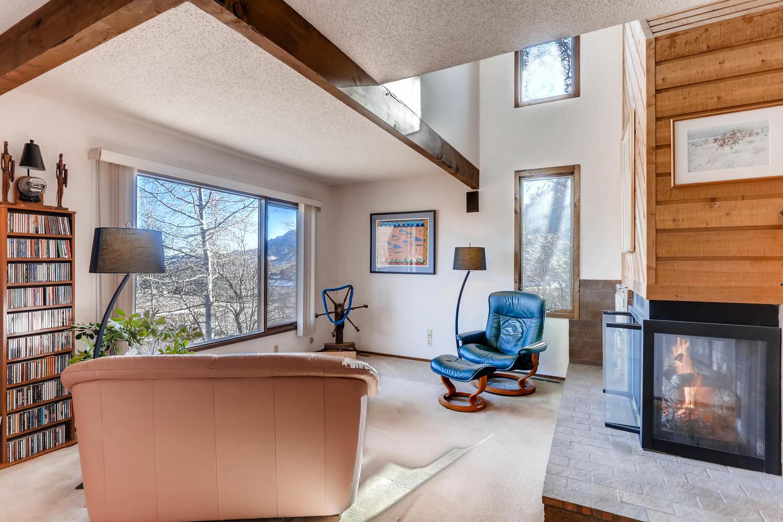 3760 Lakebriar DR Boulder CO-large-004-1-Living Room-1500x1000-72dpi.jpg