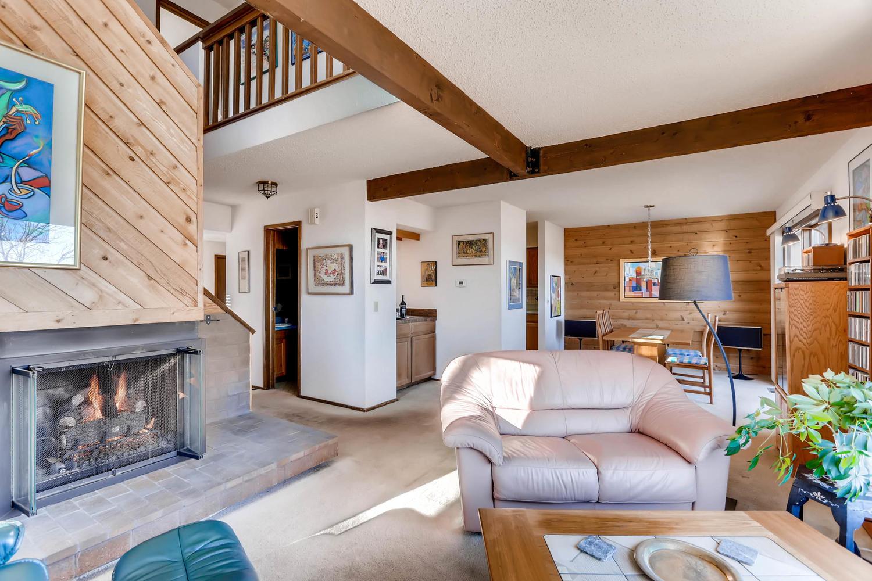 3760 Lakebriar DR Boulder CO-large-006-21-Living Room-1500x1000-72dpi.jpg