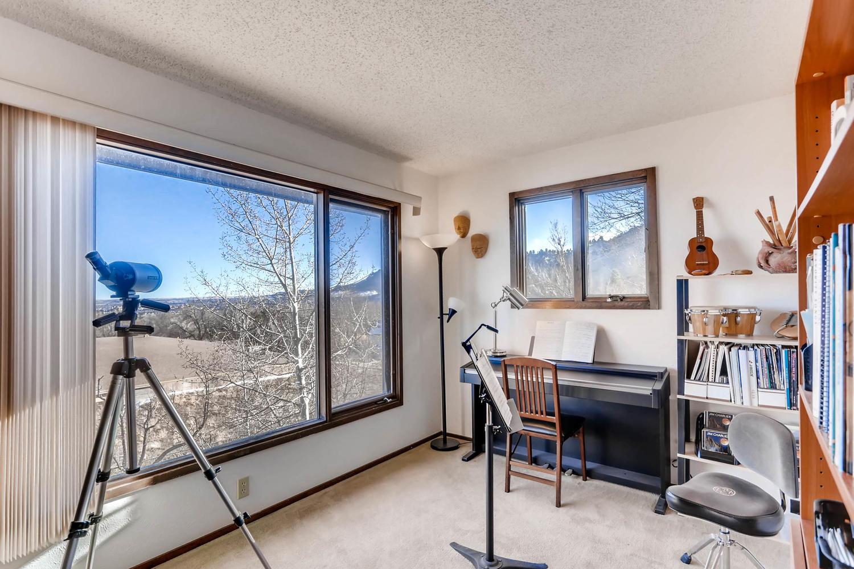 3760 Lakebriar DR Boulder CO-large-016-13-2nd Floor Bedroom-1500x1000-72dpi.jpg