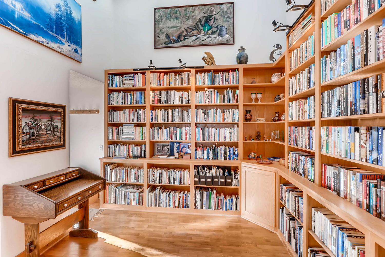 3760 Lakebriar DR Boulder CO-large-023-7-Library-1500x1000-72dpi.jpg