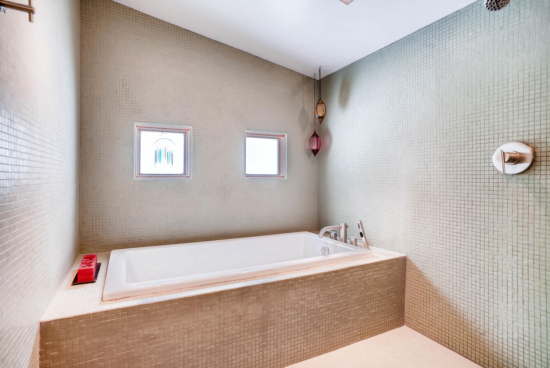 205 Camden Place Boulder CO-large-029-25-Main Floor Master Bathroom-1498x1000-72dpi.jpg