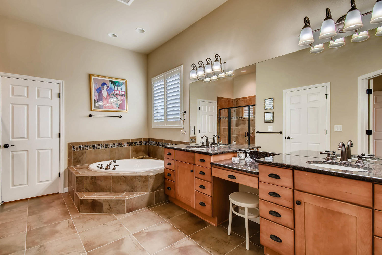4785 Silver Mountain Loop-large-016-7-Master Bathroom-1499x1000-72dpi.jpg