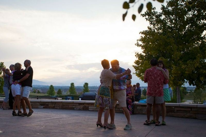 couples-dancing-at-summer-party-at-aspen-lodge-in-anthem-ranch-broomfield-colorado.jpg