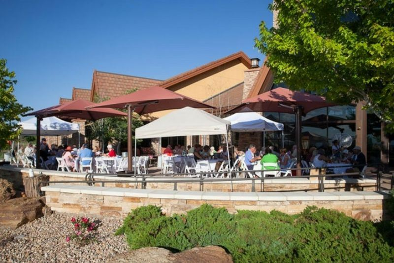 residents-at-the-clam-bake-at-the-aspen-lodge-in-anthem-ranch-broomfield-colorado.jpg