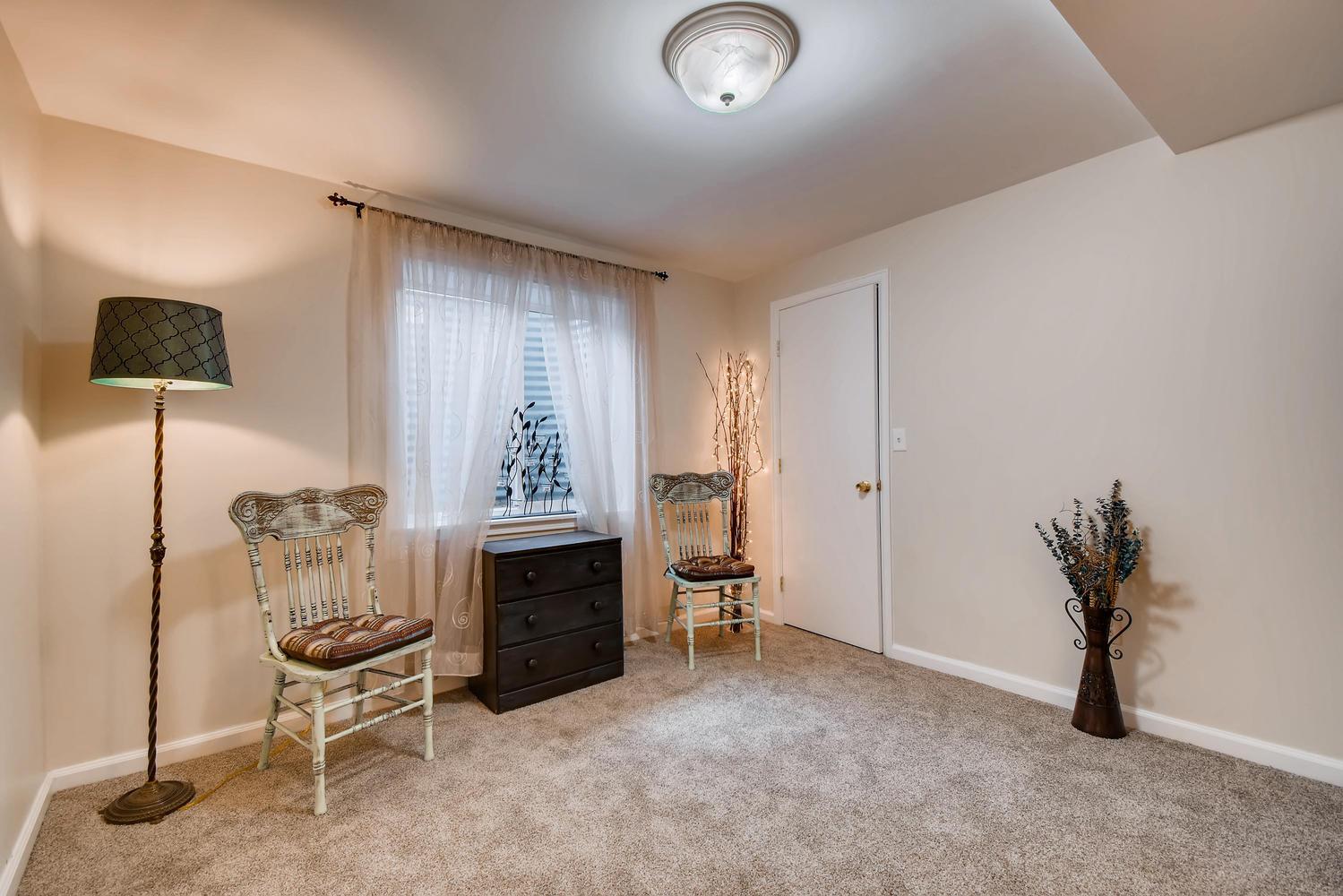 472 Owl Dr Louisville CO 80027-large-018-8-Lower Level Bedroom-1499x1000-72dpi.jpg