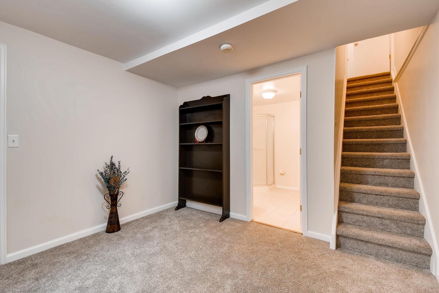 472 Owl Dr Louisville CO 80027-large-021-22-Lower Level Bedroom-1499x1000-72dpi.jpg