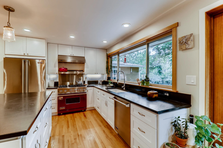 130 34th St Boulder CO 80305-large-008-003-Kitchen-1500x1000-72dpi.jpg