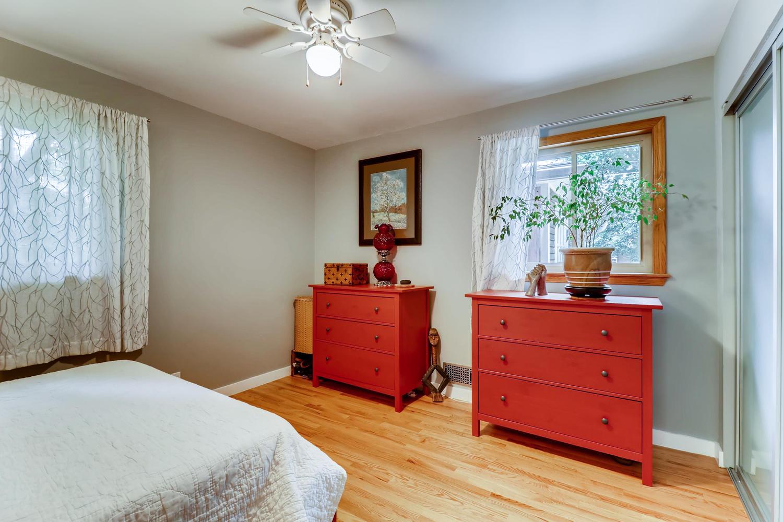 130 34th St Boulder CO 80305-large-014-012-Master Bedroom-1500x1000-72dpi.jpg