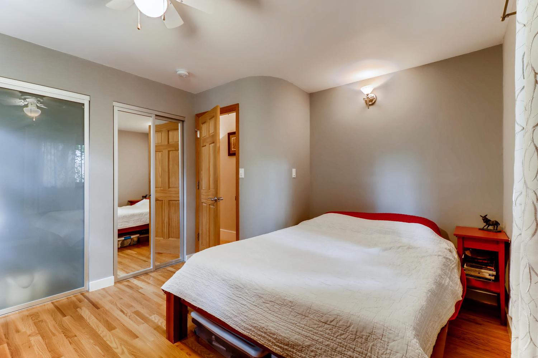 130 34th St Boulder CO 80305-large-015-014-Master Bedroom-1500x1000-72dpi.jpg