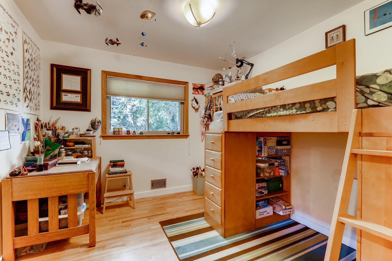 130 34th St Boulder CO 80305-large-018-016-Bedroom-1500x1000-72dpi.jpg