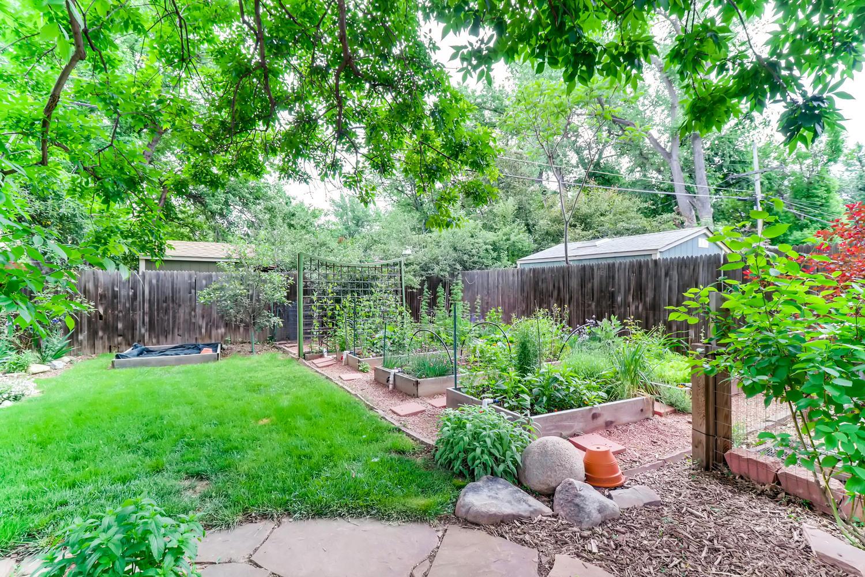130 34th St Boulder CO 80305-large-025-022-Back Yard-1500x1000-72dpi.jpg