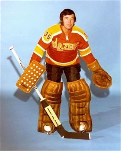 Vancouver-Blazers-1973-75-Away-Road-Jersey-Uniform.jpg